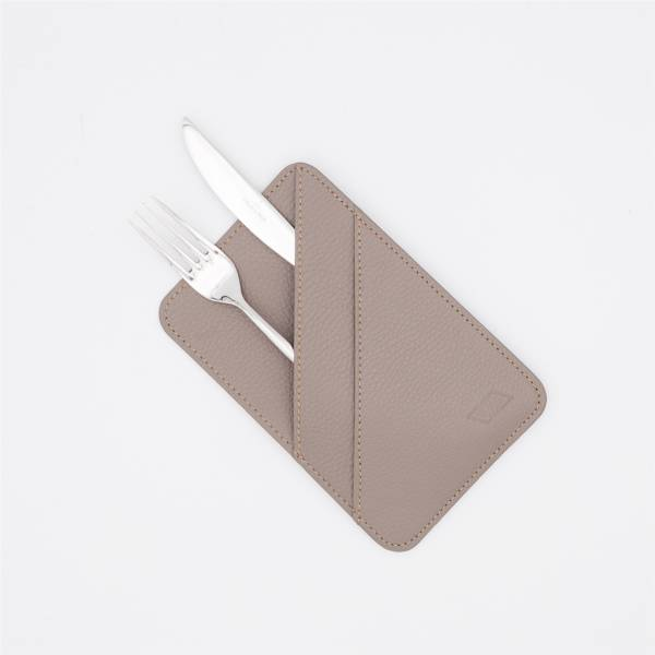 Porte couverts en cuir taupe taupe
